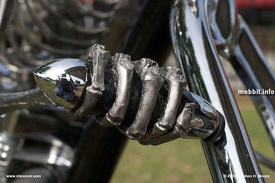 Skeleton-bike