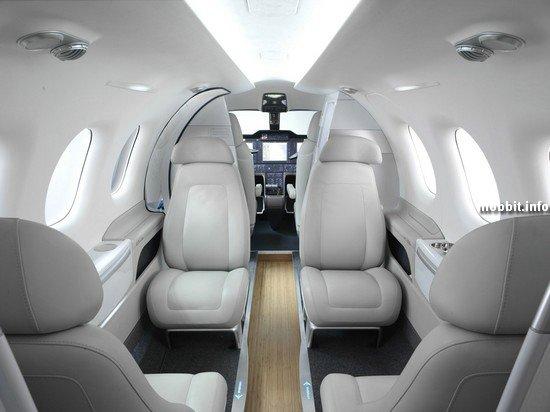 Дизайн салона самолета от BMW DesignworksUSA