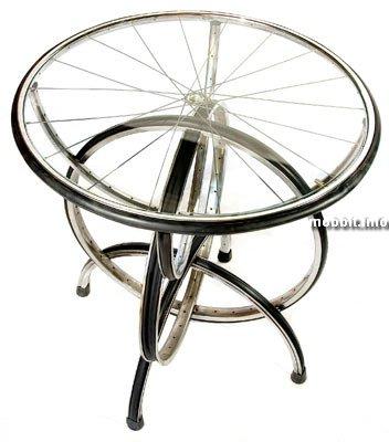 Мебель из велозапчастей.