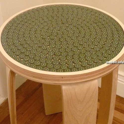 Стол с компасами