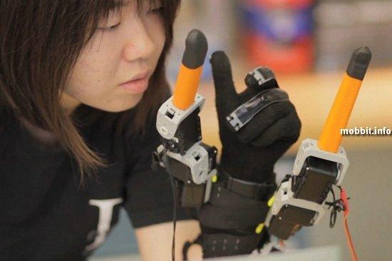 7-пальцевая перчатка родом из MIT