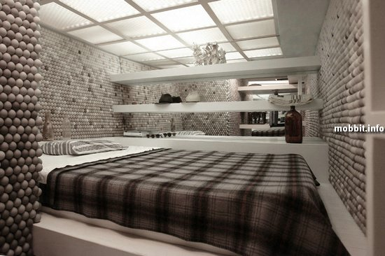 Квартира со стенами из мячей для пинг-понга