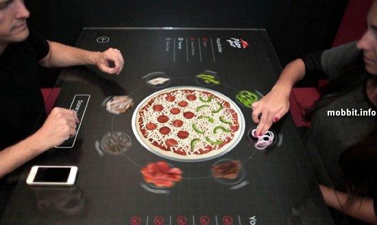 Интерактивный стол для заказа блюд от Pizza Hut