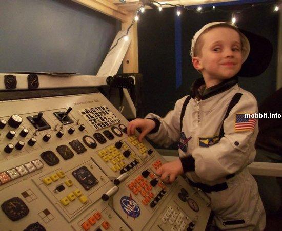 Космический корабль на пятилетие