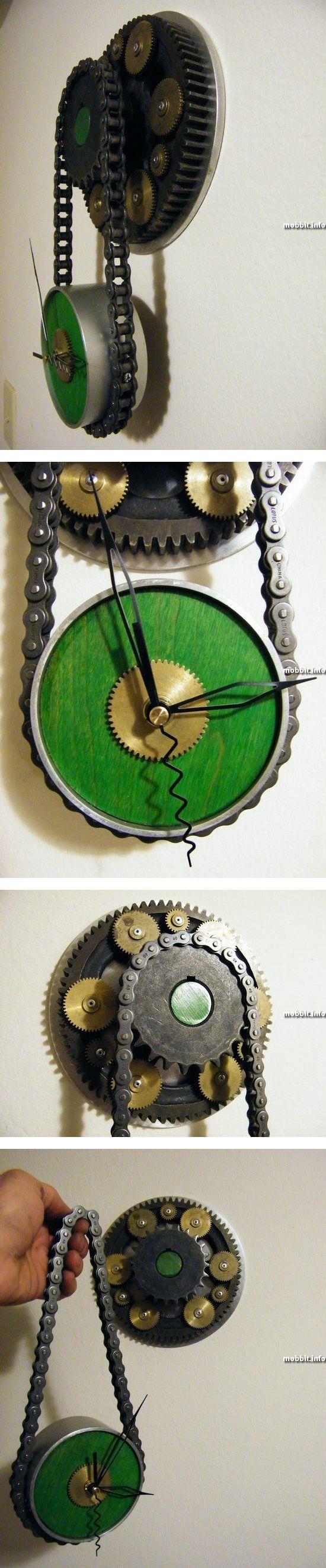 Стимпанковские часы из ненужных запчастей