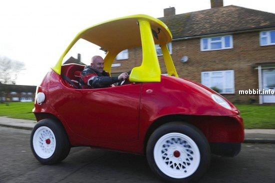 Игрушечный автомобиль Cozy Coupe для взрослых