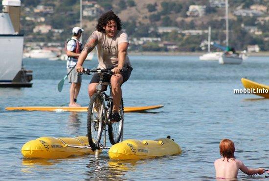 Первый в мире водный велосипед