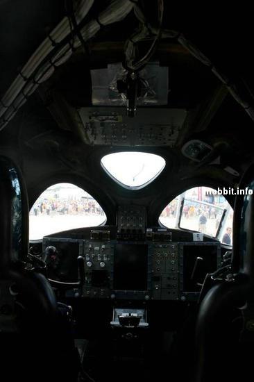 Кабина пилота WhiteKnightTwo