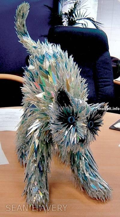 Удивительные скульптуры животных из старых компьютерных запчастей и компакт-дисков