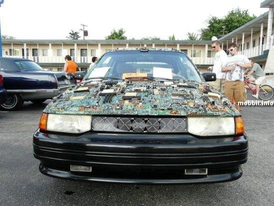 Компьютеромобиль