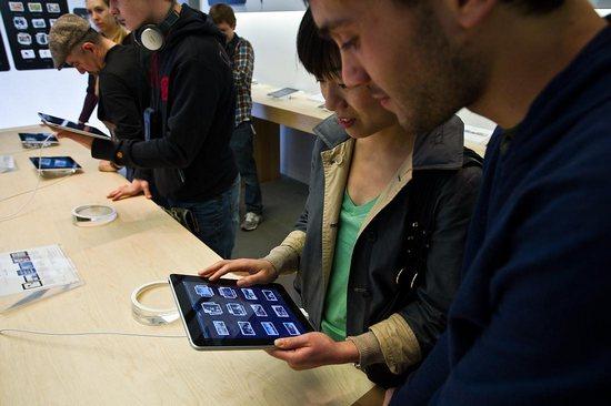 Apple iPad поступил в продажу