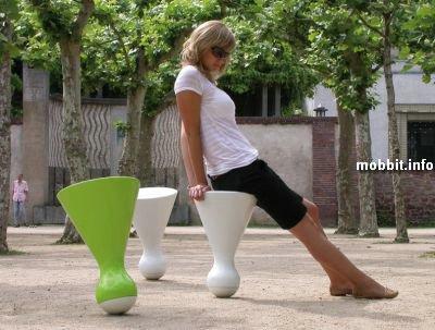 стулья-неваляшки