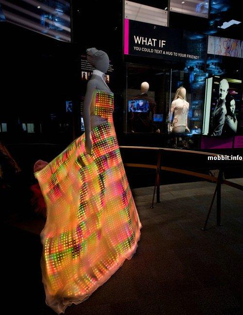 Светящееся платье из 24 000 LED-лампочек