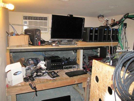 домашний офис из 40-ка мониторов