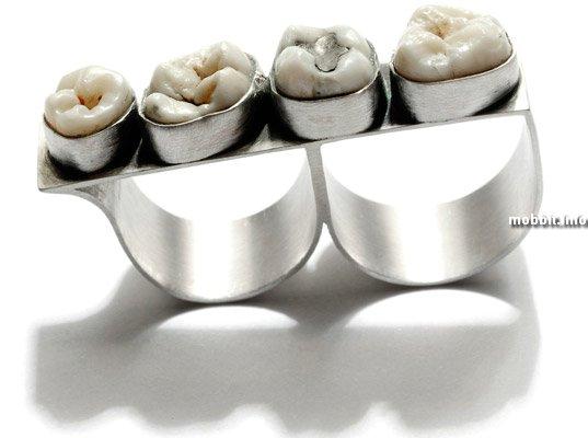 Украшения с человеческими зубами