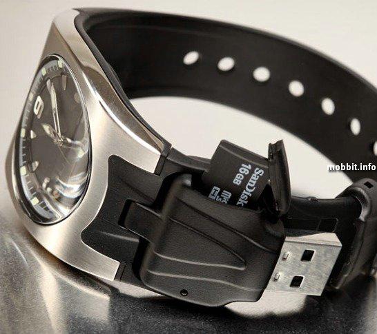Наручные часы с MicroSD-картридером