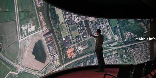 10-метровый multitouch-дисплей