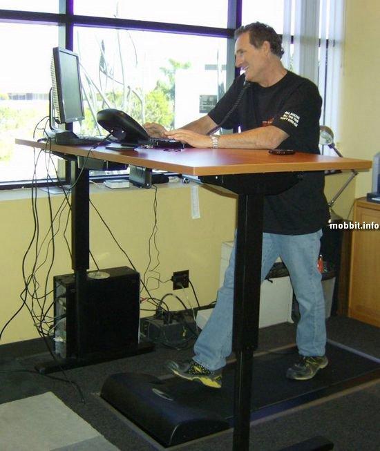 Беговая дорожка + компьютерный стол