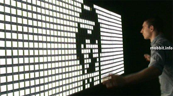 зеркало из OLED-дисплеев