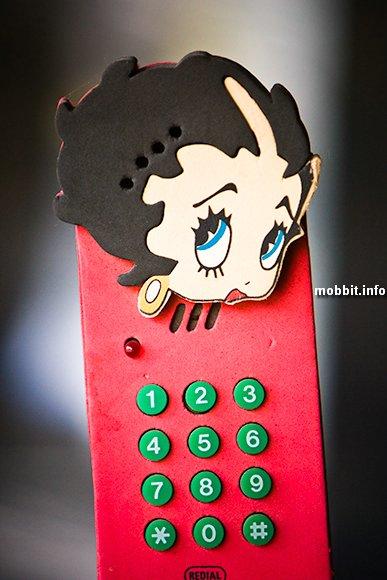 Коллекция необычных стационарных телефонов