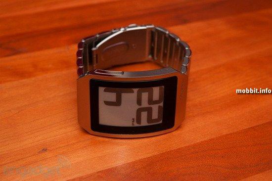 Часы на электронной бумаге
